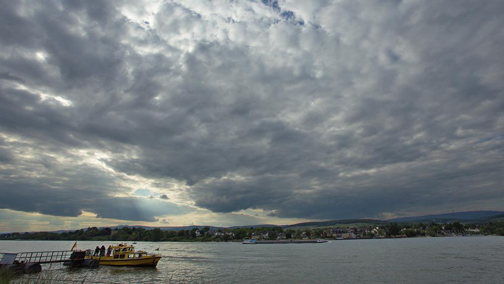 Himmel über dem Rheingau
