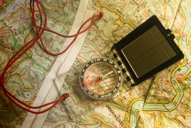 Karten und Kompass