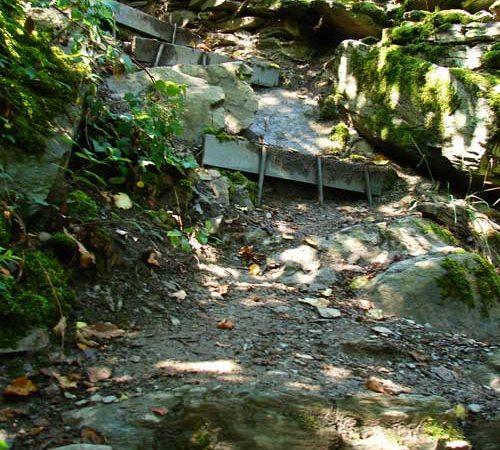 Trittsicherheit beim Wandern in den Bergen trainieren