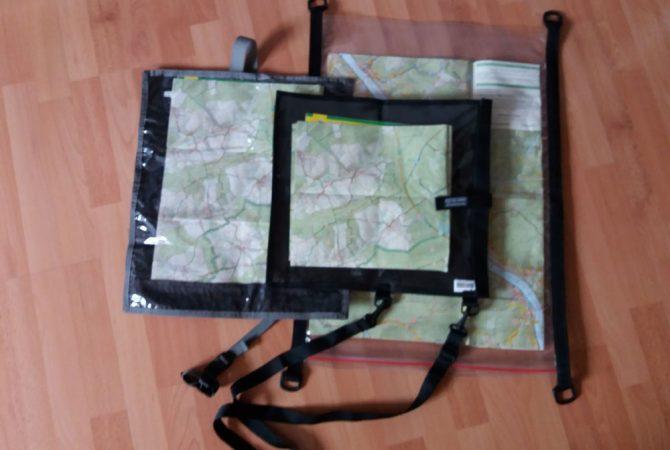 Kartentaschen: Von links nach rechts: Tatonka Kartentasche Mapper, Highlander Wanderer Map Case, SeaLine Waterproof Map Case