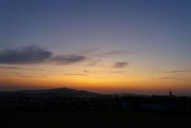 Sonnenaufgang am Petersberg.